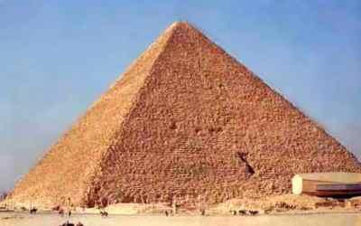 CENTRALI_EGITTO_9_-Piramide_a_Giza