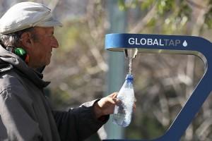 San Francisco vieta le bottiglie di plastica, un passo verso l'obiettivo rifiuti zero