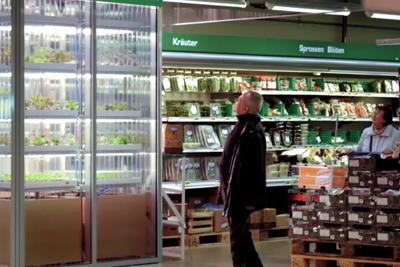 Supermercato_scaffale_signori_tedeschi_fb