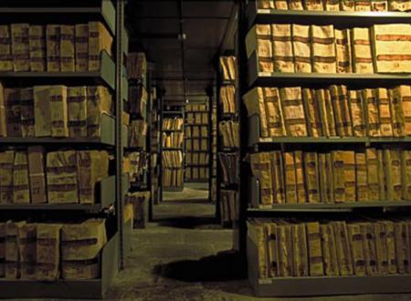 La scomparsa degli Archivi di Stato, così l'Italia distrugge la sua storia e soprattutto la verità