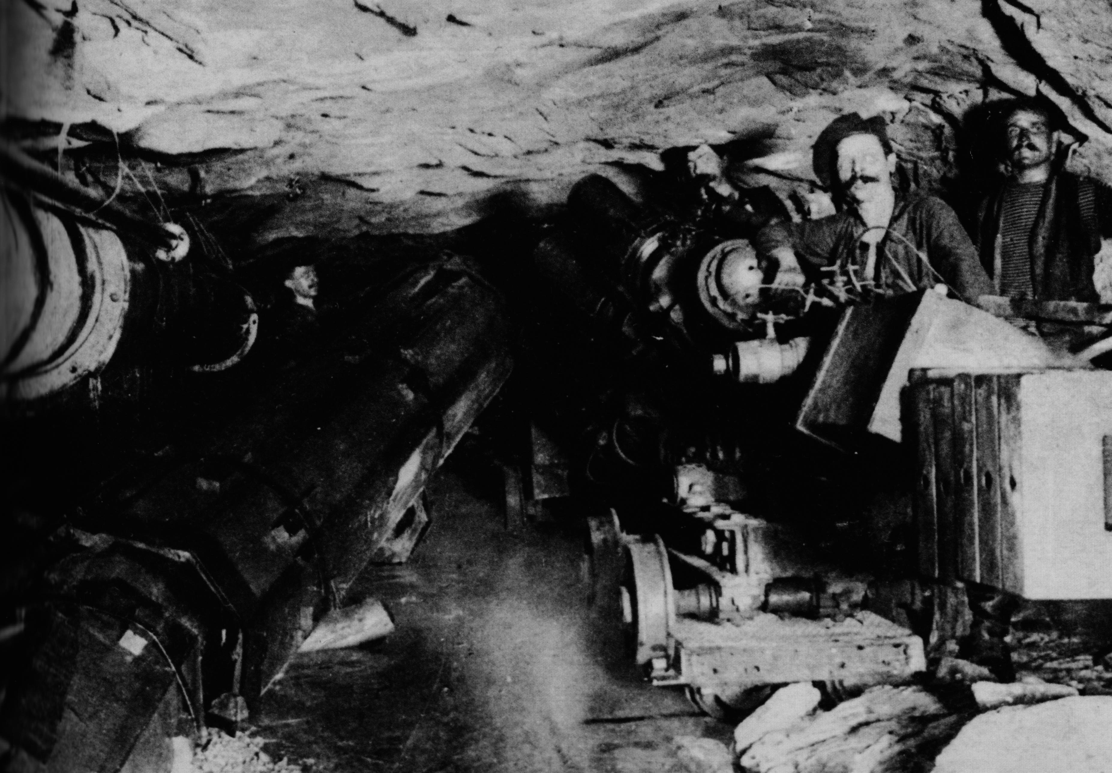 i-minatori-il-24-febbraio-1905-ultima-perforazione