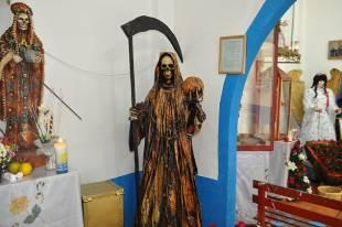 il-culto-della-santa-morte-1-621125_tn