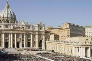"""""""Ecco i 200 preti pedofili d'Italia"""", lo scandalo che imbarazza la Curia"""