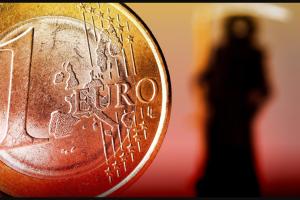Il colpo di grazia per le banche italiane: cambia tutto, bomba da 400 miliardi