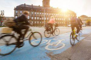 Le aziende della Danimarca cercano lavoratori da assumere ma non ci sono disoccupati. E sono costretti a rallentare la produzione