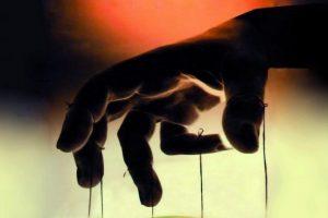 Può finire il Pd, non il romanzo criminale che sabota l'Italia