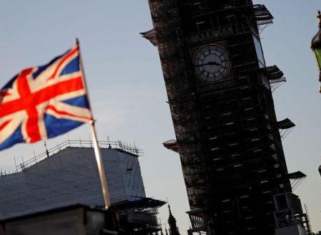 Mancheranno cibo, medicine e benzina. Il rapporto del governo di Londra sulle conseguenze del No Deal …